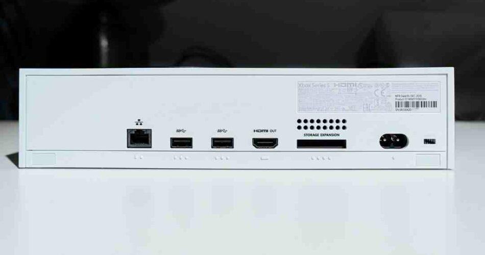 Comment  Connecter un ordinateur à une télévision avec un câble HDMI